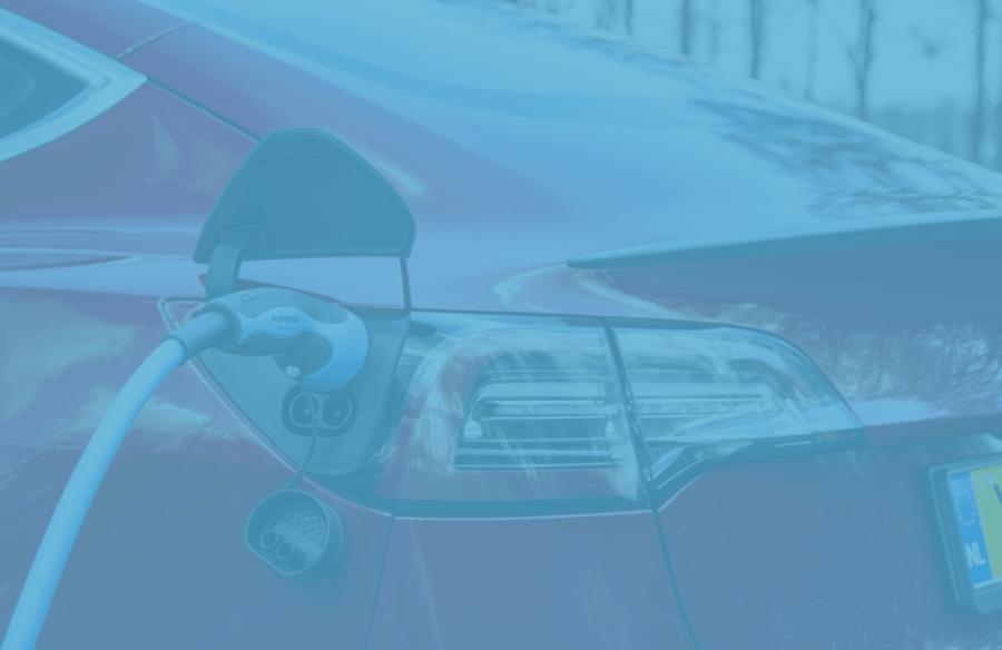 Tesla aan het opladen